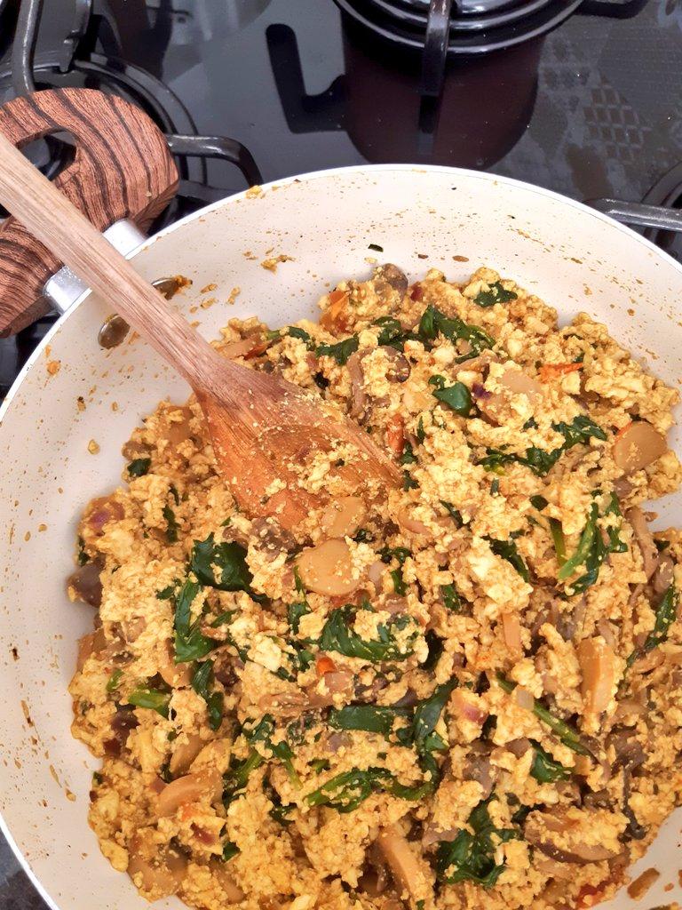 Tofu mexido pronto na panela